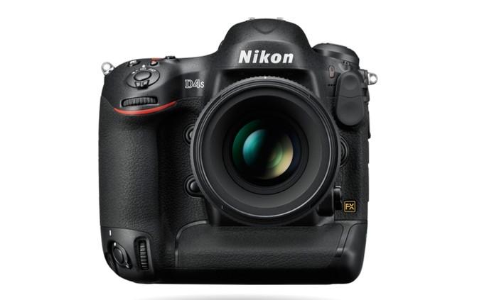 Nikon D4S é um modelo top de câmera profissional vendida no Brasil (Foto: Divulgação/Nikon)
