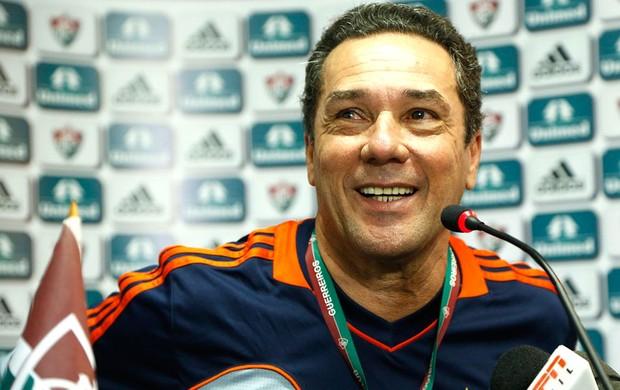 Wanderlei Luxembuirgo assume o Fluminense e avisa que quer bater o Flamengo