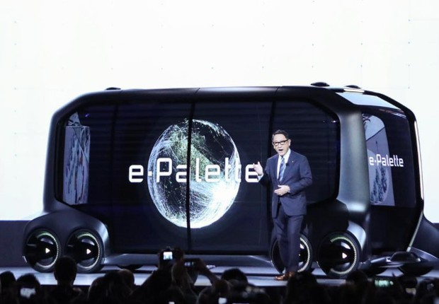 O veículo elétrico e autônomo divulgado pela Toyota, chamado e-Palette (Foto: Reprodução/Instagram)