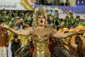Cláudia Raia sai de deusa africana pela Beija-Flor: 'Grande honra' (Rodrigo Gorosito/G1)