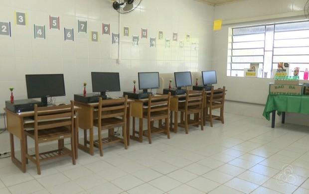 Sala de alfabetização vai atender ao todo 15 internos na colônia Souza Araújo (Foto: Bom Dia Amazônia)