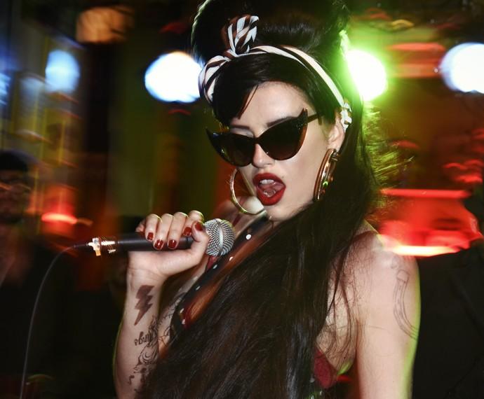 Giovanna posa como Amy Winehouse (Foto: Márcio Del Nero/ TV Globo)