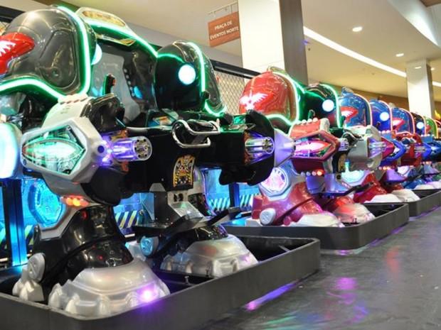 Batalha de robôs reúne pessoas de todas as idades em shopping de Goiânia (Foto: Divulgação/ Buriti Shopping)