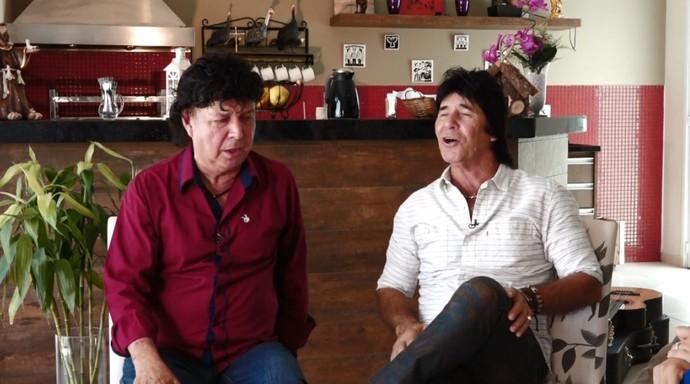 """Teodoro e Sampaio cantam """"Vestido de Seda"""" e outros sucessos no 'Mais Caminhos' (Foto: reprodução EPTV)"""