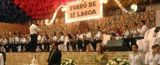 Juntos há 6 anos, casal participa de casamento coletivo (Taiguara Rangel/G1)