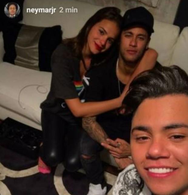 Bruna Marquezine, Neymar e Felipe Araújo (Foto: Reprodução/Instagram)