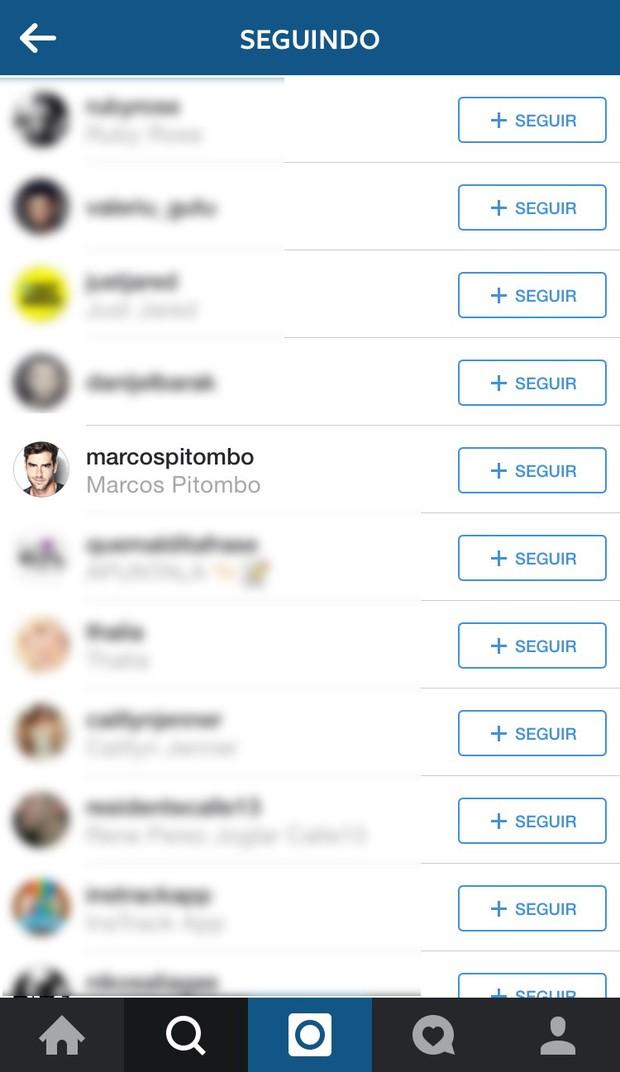 Ricky Martin segue o ator Marcos Pitombo no Instagram (Foto: Instagram / Reprodução)