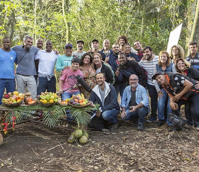 Equipe envolvida na gravações do spin-off de Haja Coração (Foto: Felipe Monteiro/Gshow)