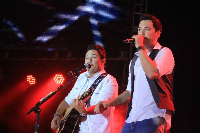 João Bosco e Vinicius durante o Show de Verão (Foto: TV Morena)