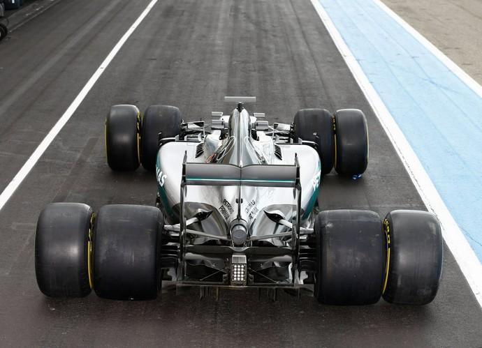 Mercedes mostra comparação dos pneus 2016 com os pneus 2017 da Fórmula 1 (Foto: Divulgação)