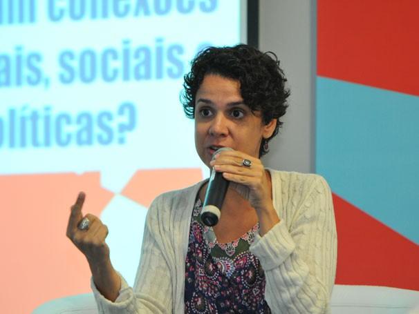Patrícia Lânes abordou a pesquisa 'Jovens pobres e o uso das novas tecnologias de informação e comunicação na criação de novas esferas públicas democráticas' (Foto: Globo/Renato Velasco)