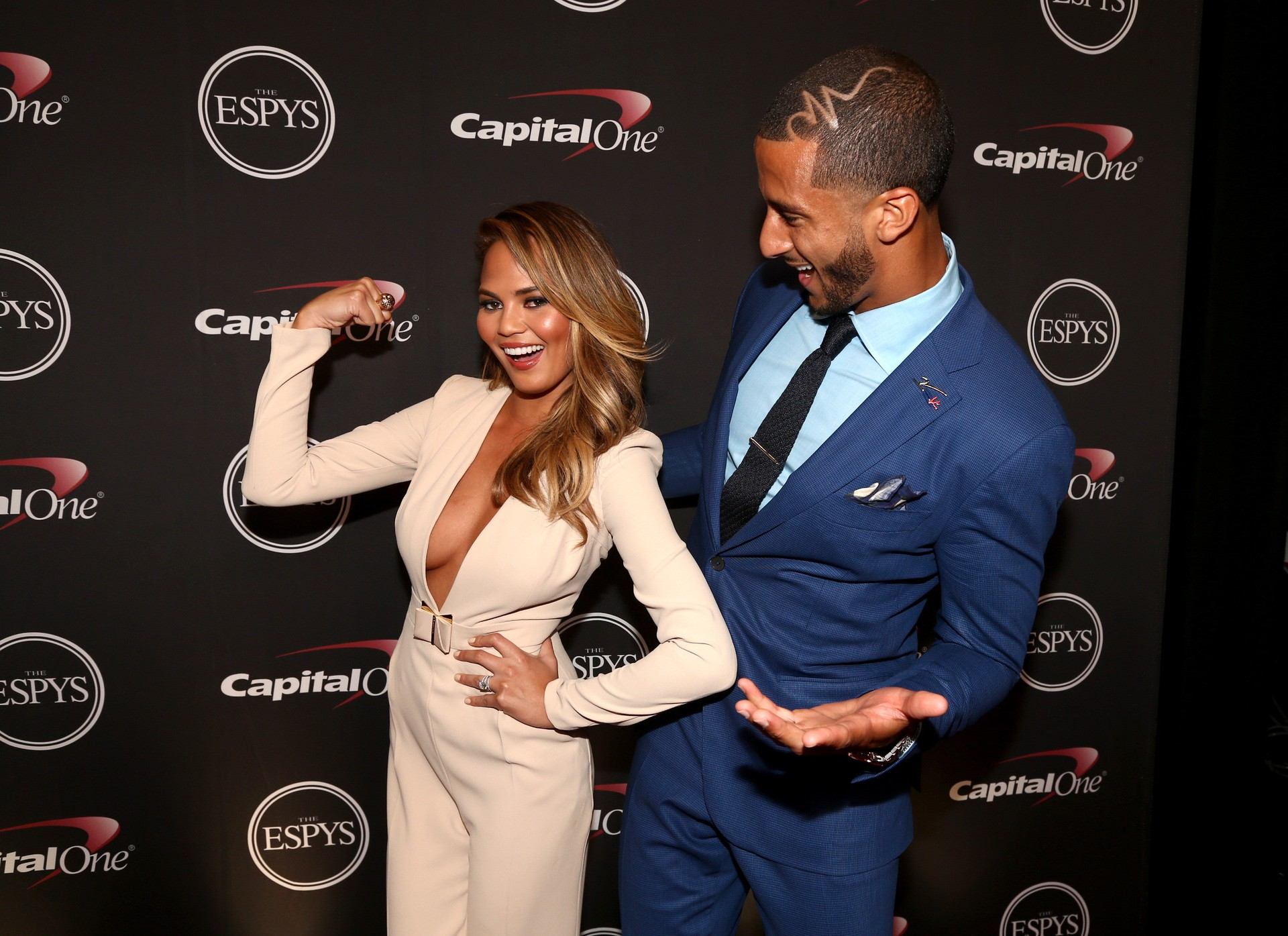 Chrissy Teigan e Colin Kaepernick (Foto: Getty Images)
