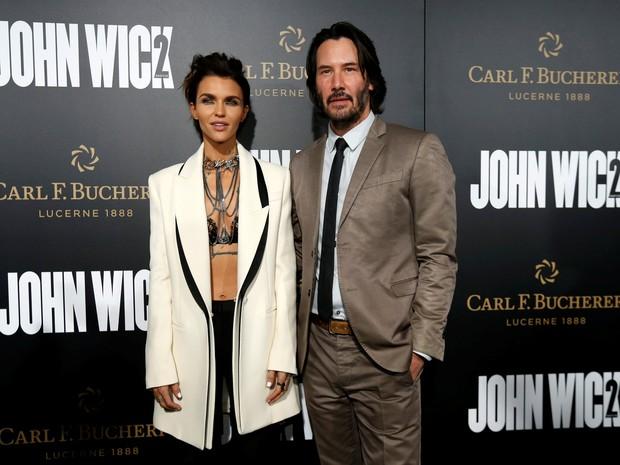 Keanu Reeves e Ruby Rose em première de filme em Los Angeles, nos Estados Unidos (Foto: Mario Anzuoni/ Reuters)