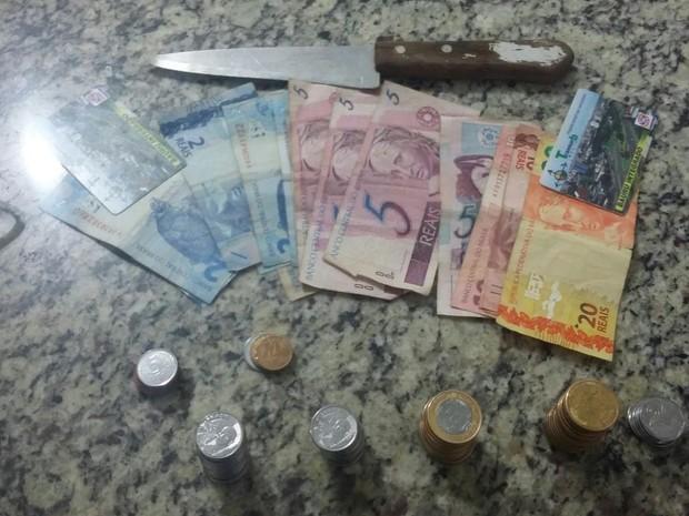 Dupla foi detida após roubo em Bauru (Foto: Divulgação / Polícia Militar)