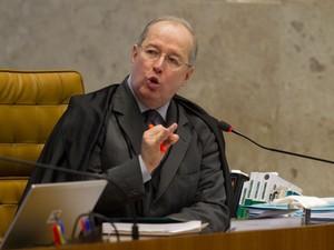 18/9 - Celso de Mello dá voto decisivo sobre novo julgamento do mensalão. Ministro vai desempatar discussão no STF sobre validade dos embargos infringentes. (Foto: Ed Ferreira/Estadão Conteúdo)