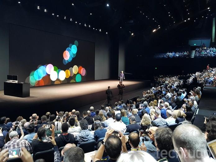 Tim Cook apresenta as novidades da Apple em evento nos Estados Unidos (Foto: Thássius Veloso/TechTudo)