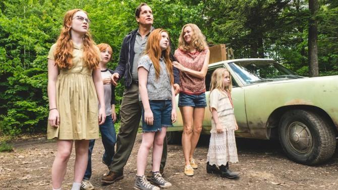 Rex, Rose Mary e os filhos em 'O Castelo de Vidro' (Foto: Divulgação)
