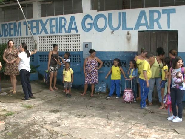 Escola Rubem Teixeira Goulart é de responsabilidade da Prefeitura de São Luís (Foto: Reprodução/TV Mirante)