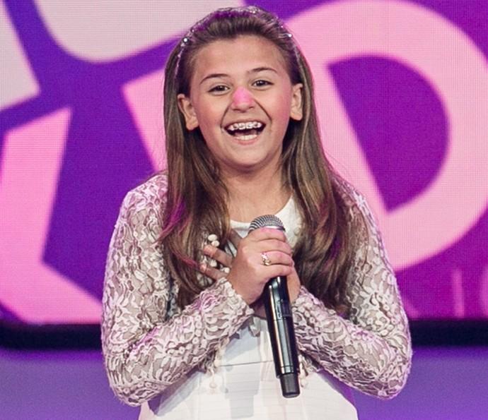 Maria Fernanda comemora aprovação no The Voice Kids (Foto: Isabella Pinheiro/Gshow)