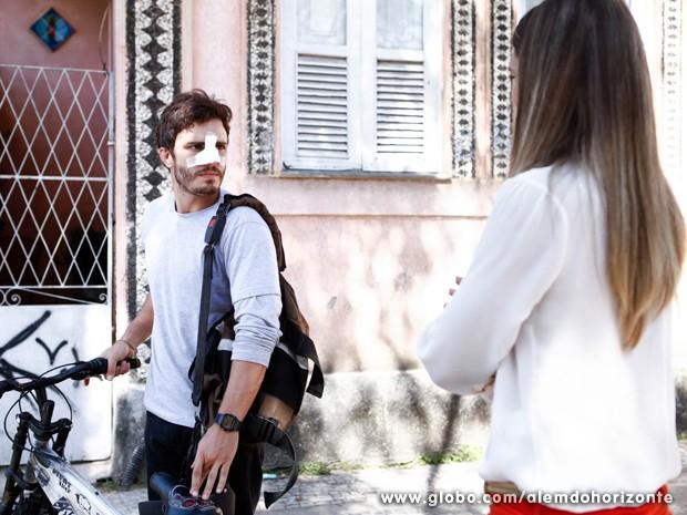 William baixa a guarda e diz que vai ficar bem (Foto: Inácio Moraes/TV Globo)