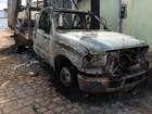 Carro de prefeito é incendiado na porta de casa e polícia investiga crime