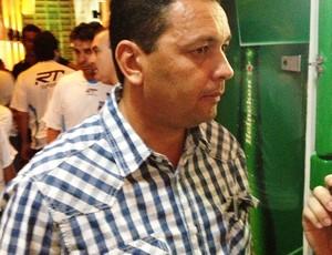 Paulo Cesar Santos, técnico do Taubaté (Foto: Arthur Costa/ Globoesporte.com)