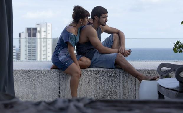 Caio Castro e Camila Camargo (Foto: Stella Carvalho/ Travessia/ Divulgação)
