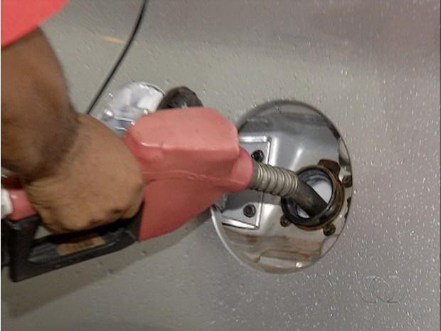 Gasolina (Foto: Reprodução/TV Anhanguera)