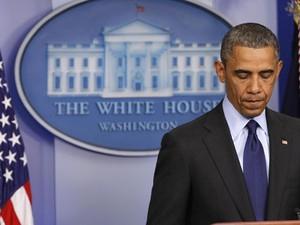 Obama fala sobre fim do cerco a último suspeito de ataques à Matarona de Boston, na noite de sexta-feira (19), em Washington (Foto: Kevin Lamarque/Reuters)
