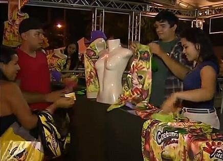 Além das vendas, atrações acontecem no palco da feirinha (Foto: Bom dia Amazônia)