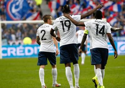 França amistoso comemoração gol (Foto: Agência AFP)