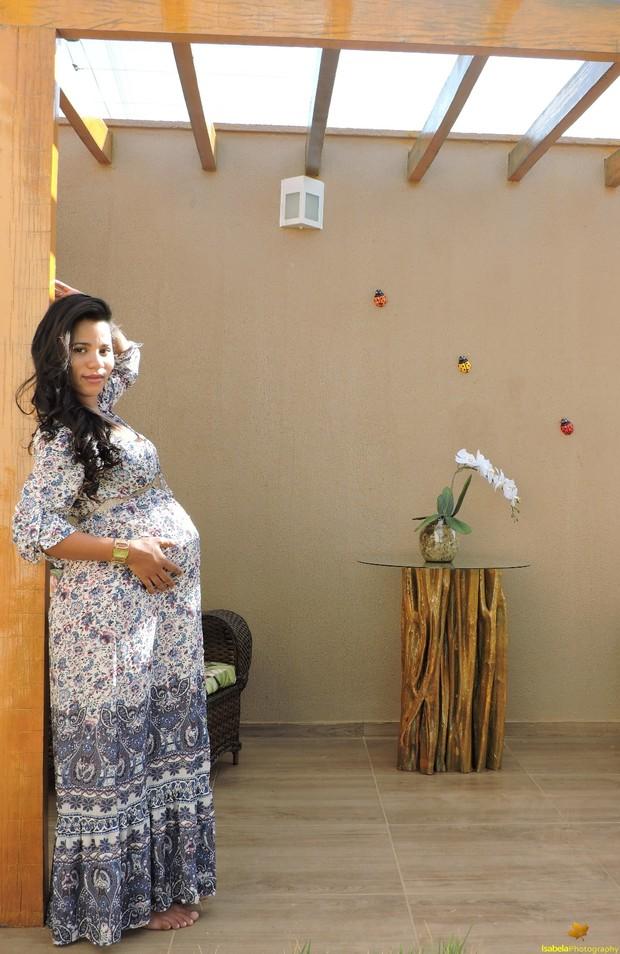 Stefhany Absoluta mostra barrigão de 8 meses (Foto: Isabela Magalhães /  Divulgação)