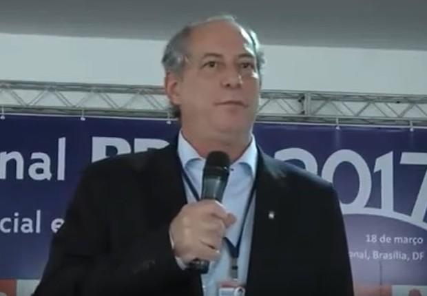 Ciro Gomes na convenção nacional do PDT (Foto: Reprodução/YouTube)