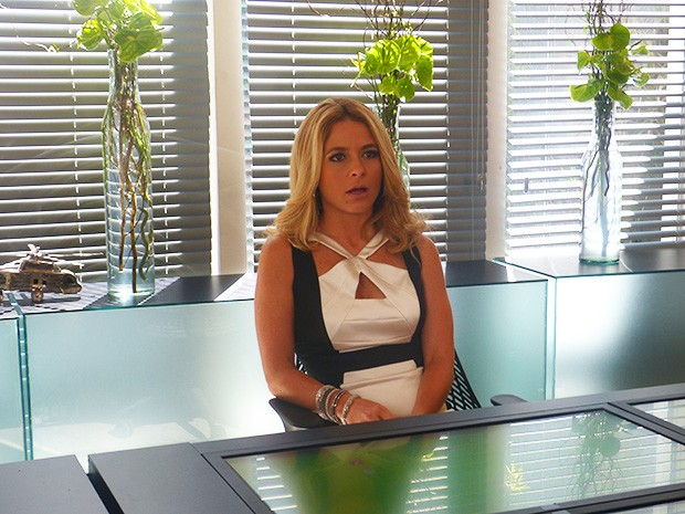 Pamela fica surpresa com a notícia de Verônica (Foto: Geração Brasil/ TV Globo)