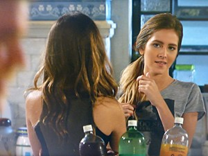 Sofia observa Sidney e decide que vai conquistar o rapaz
