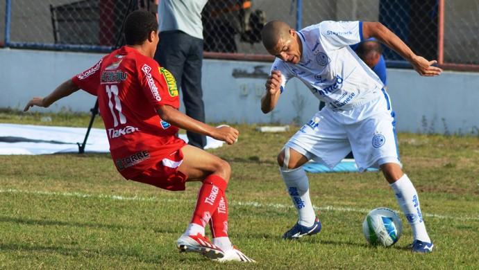 Sergipe teve dois jogadores expulsos (2) (Foto: Felipe Martins / GloboEsporte.com)