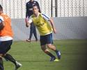 Rodriguinho volta a treinar em campo e pode reforçar Corinthians na estreia