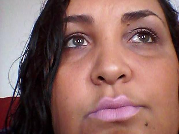 Família conta que Kelly Cristina, desparecida há 3 dias, havia passado por um grande trauma no início do ano com a morte do marido, mas que se recuperou gradativamente com a descoberta da gravidez (Foto: Reprodução/Facebook)