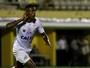 Com reservas e hat-trick de Bruno Henrique, Santos goleia São Bernardo