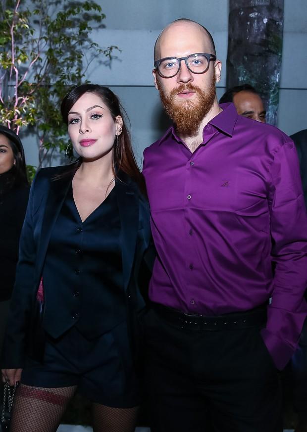 O casal Pitty e Daniel Weksler  (Foto: Raphael Castello/AgNews)