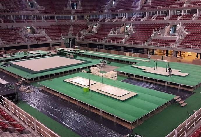 Área de competição sendo montada na Arena Olímpica do Rio (Foto: Reprodução)