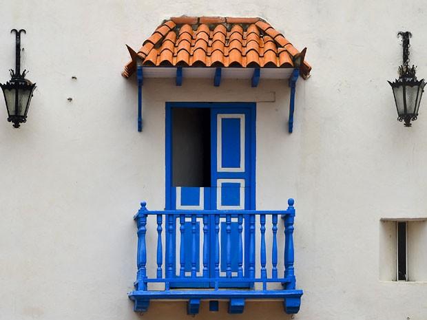 Balcão de uma das casas coloniais de Cartagena de Indias (Foto: Luis Acosta/AFP)