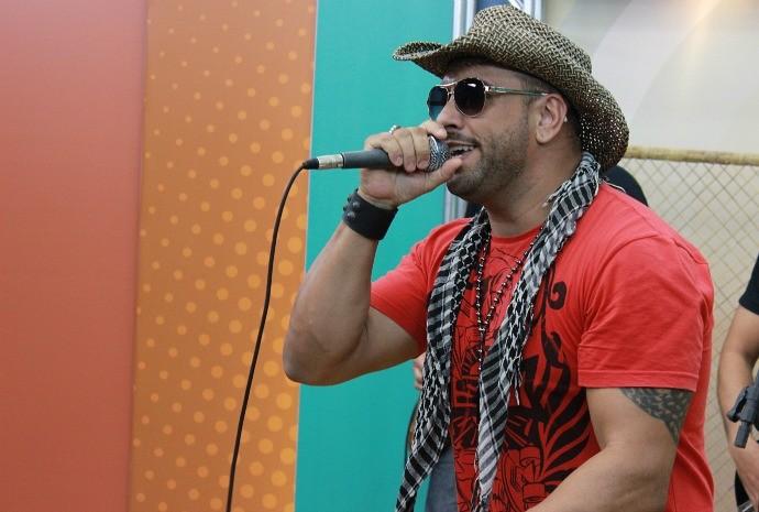 Breno Marx começou a cantar em banda de rock (Foto: Katiúscia Monteiro/ Rede Amazônica)
