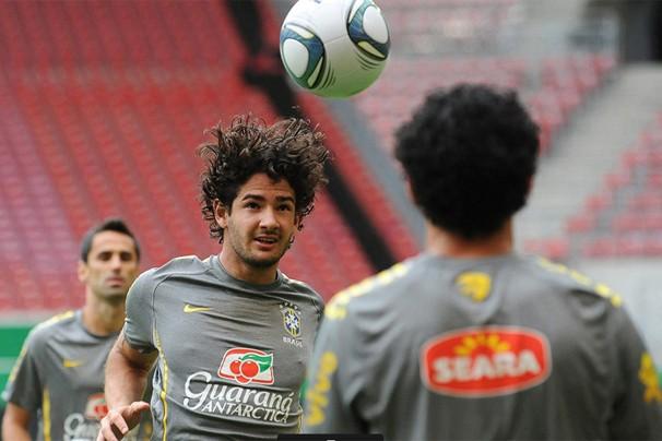 Alexandre Pato foi um dos convocados pelo técnico Mano Menezes (Foto: EFE)