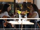 Daniela Mercury vai a restaurante no Rio com a namorada, Malu Verçosa