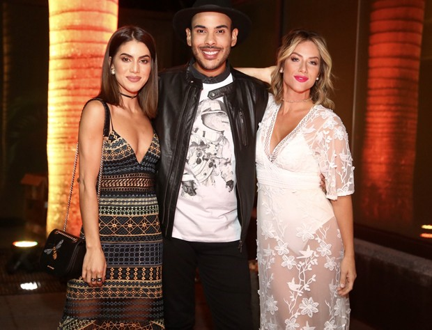 Camila Coelho, Hugo Gloss e Giovanna Ewbank (Foto: Manuela Scarpa/Brazil News)