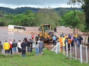 Patrola da prefeitura ajudou no socorro (Foto: Prefeitura de Santo Cristo/Divulgação)