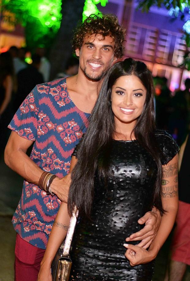 Felipe Roque e Aline Riscado (Foto: Ari Kaye / Divulgação)