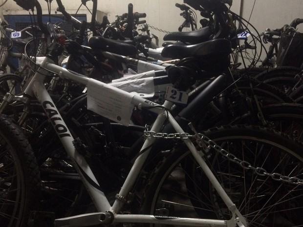 Bicicletas roubadas catalogadas na 10ª DP (Botafogo) (Foto: Divulgação/Polícia Civil)
