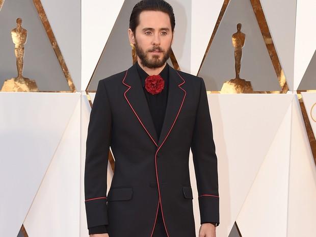 Jared Leto chega ao tapete vermelho do Oscar 2016 (Foto: Jordan Strauss/Invision/AP)